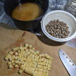 むかごの炊き込みご飯と週末の甘くないレモンサワー