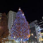 阿佐ヶ谷駅前のクリスマスツリーのライトアップ